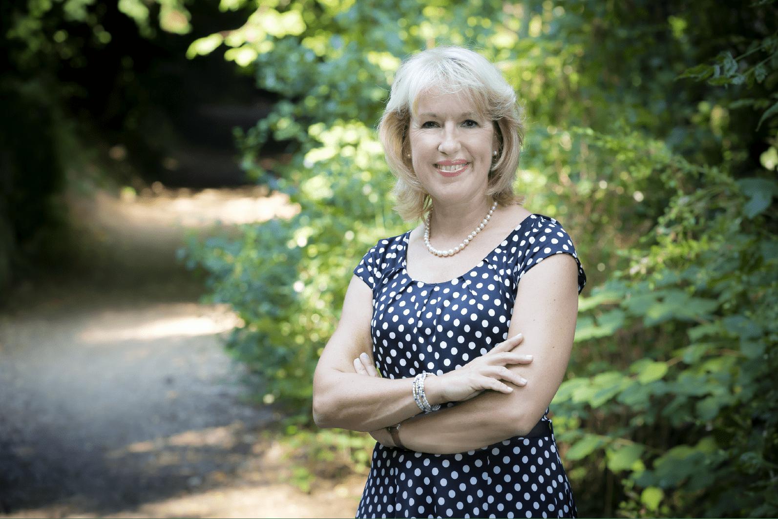 Jacqueline de QUattro dans les bois